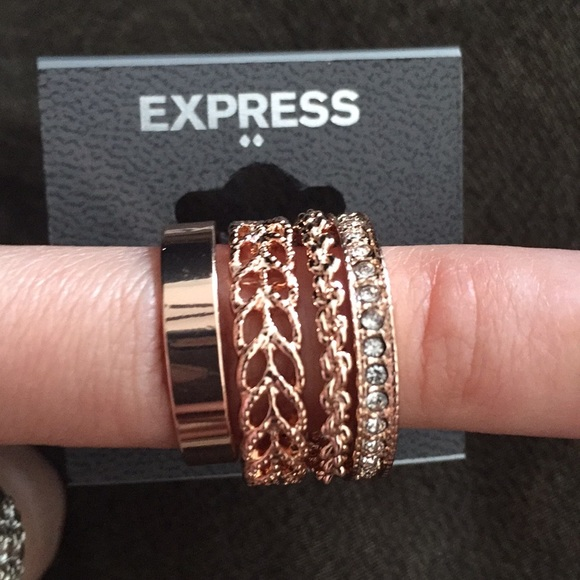 20 off Express Jewelry Express stunning set of 4 rose gold rings